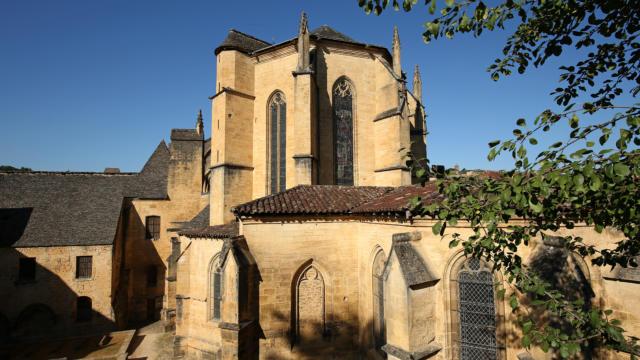 Cathédrale de Sarlat et enfeus