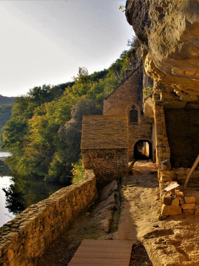 Village de la Madeleine sur la vallée de la Vézère