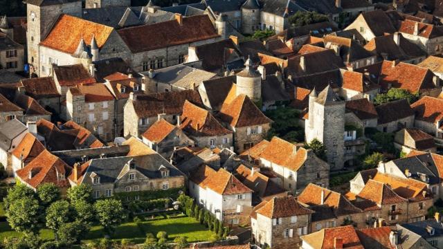 Vue aérienne de la ville de Martel, dans le département du Lot