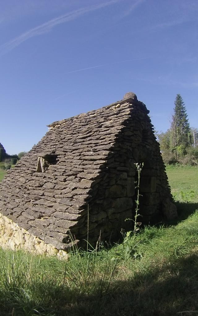 Cabane en pierres sèches autour de Tamniès