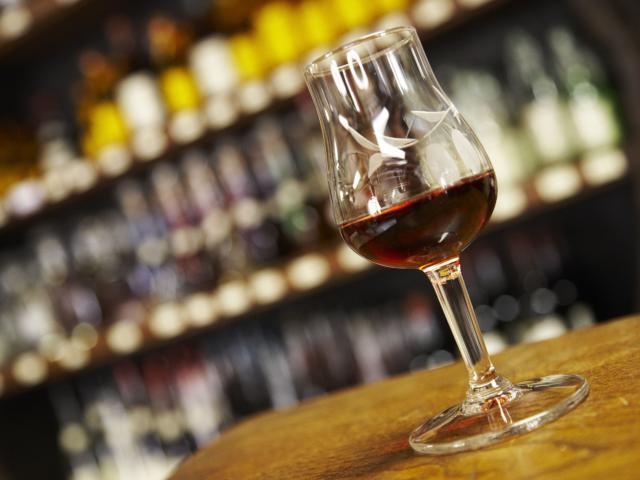 Visite de sarlat avec dégustation de liqueurs