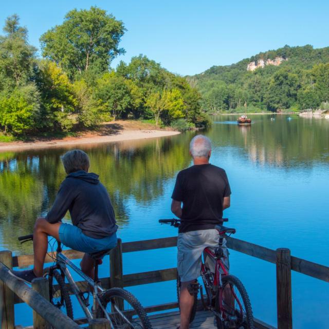 vélo au bord de la Dordogne