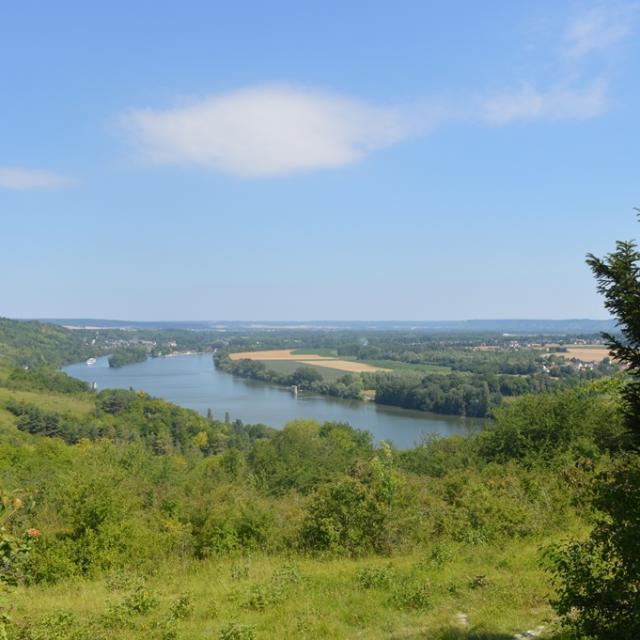 Panorama sur les coteaux D'heudebouville en Seine-Eure