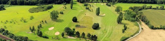 Vue aérienne du golf du Vaudreuil en Seine-Eure en Normandie