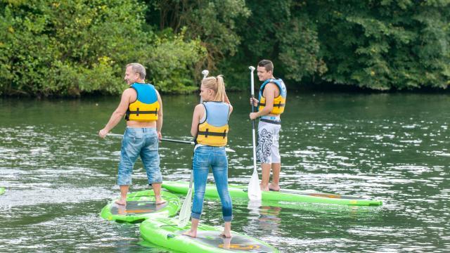 Groupe en stand-up-paddle sur l'Eure