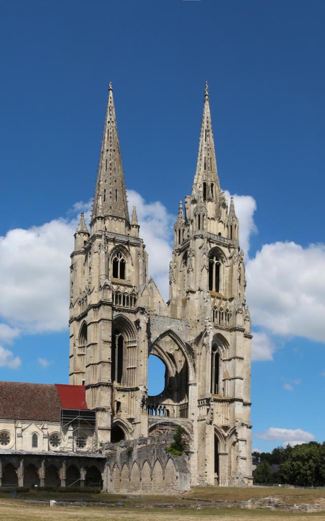Façade < Abbaye Saint Jean Des Vignes < Soissons