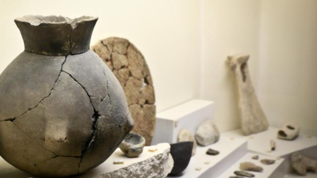 Représentation de vases < Salle d'archéologie < Musée Saint-Léger < Soissons