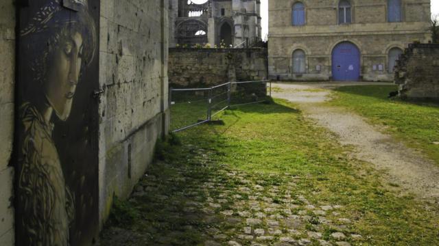 C215 < Abbaye Saint-jean-des-Vignes < Soissons