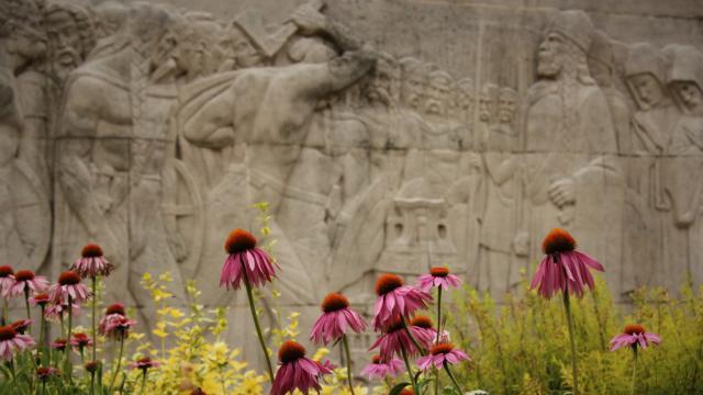 Scène Du Vase < Monument Aux Morts < Soissons
