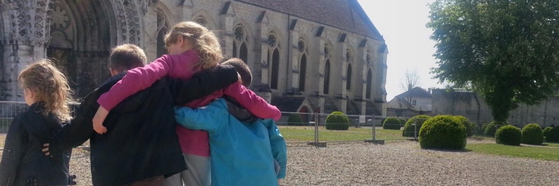 Visite avec Les Enfants < Abbaye Saint-Jean-des-Vignes < Soissons