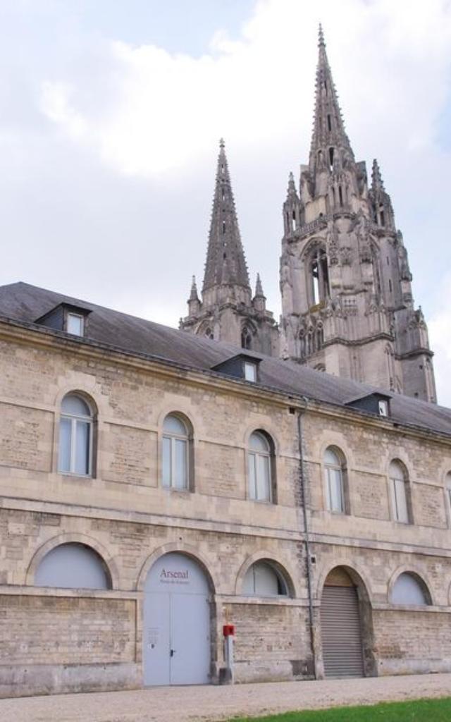 Arsenal - Abbaye-Saint-Jean-des-Vignes < Soissons