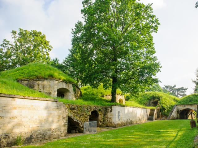 Le fort de Condé < Chivres-Val