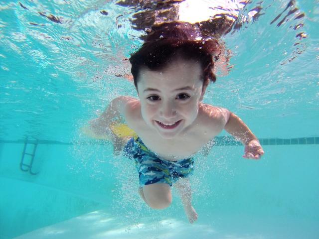 Enfant < Les Bains du Lac < Mercin-et-Vaux
