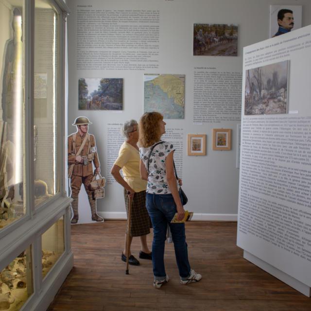 Château < Musée du bois et de l'Outil < Montgobert