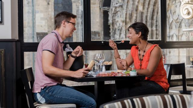 Restaurant en amoureux < La Cathédrale < Soissons