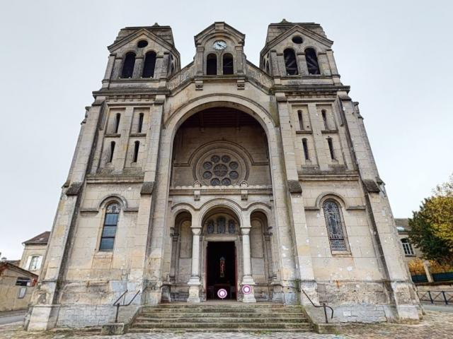 Eglise Saint-Eugénie < Soissons