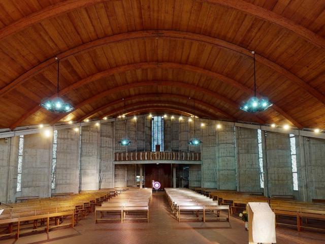 Vue Intérieure de l'église Saint-Crépin < Soissons