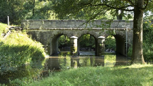 st-etienne-de-mm-pont-sur-le-falleron-photo.jpg