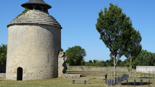 Abbaye De La Chaume