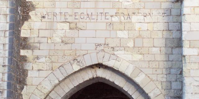 Extérieur Collégiale de Saint-Aignan