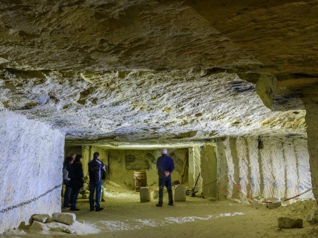 Caves De Roches 017 Min