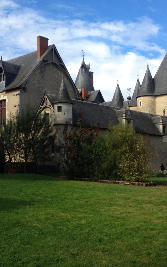 Chateau De Fougeres (32)
