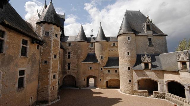 Chateau De Fourgeres 1 Non Libre De Droit