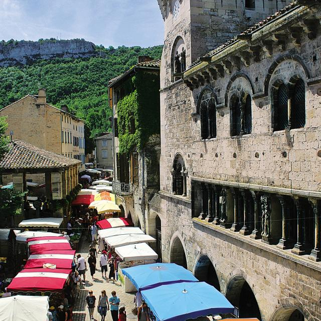 Saint-Antonin-Noble-Val marché romane patrimoine