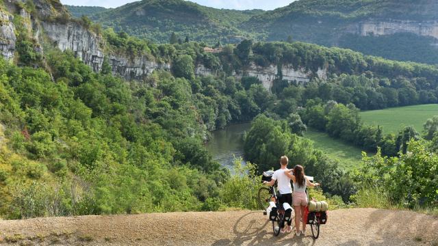 Vélo route Gorges de l'Aveyron activité sportive activité de nature