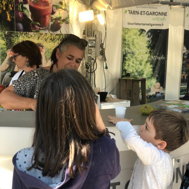 Bar à fruits Tarn-et-Garonnais aux Marchés flottants à Paris