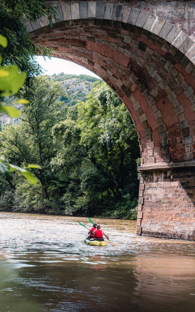 Activités sportives et culturelles dans les gorges de l'Aveyron