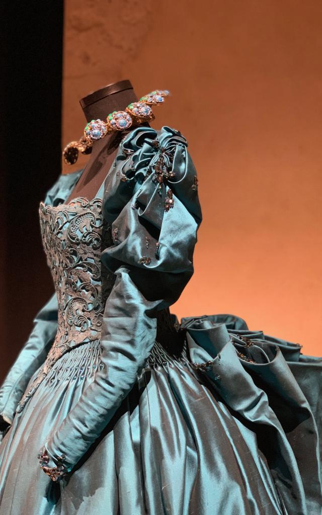 Costume De La Belle Et La Bête Par Pierre Yves Gayraud 5814