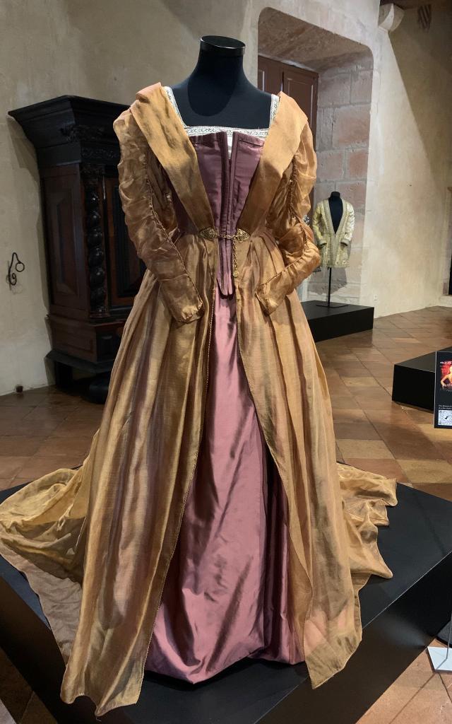 Costume D'elizabeth Par Alexandra Byrne 5721