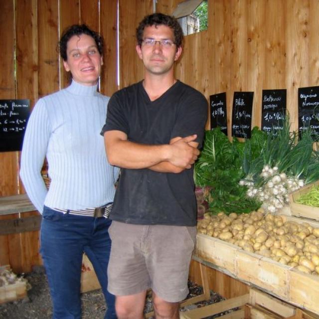 Ferme Trubuil - Nathalie Trubuil et Pierre Bot dans le magasin de la ferme