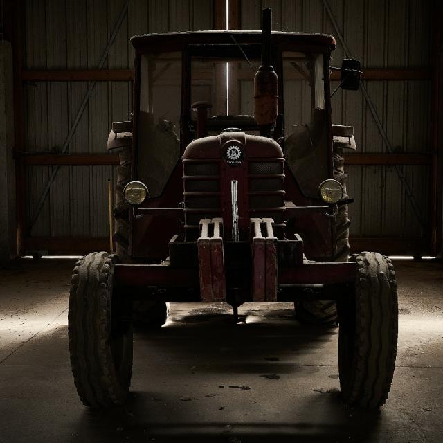 Ferme Du Trou Salé - tracteur ancien