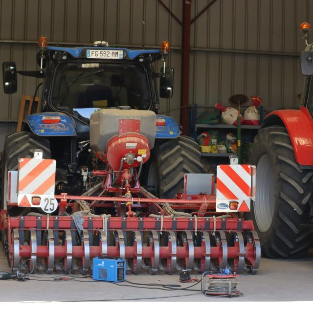 Arvalis - Institut du végétal - tracteur