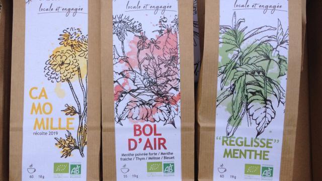 Aline Aurias, l'Enracinée - paquets de plantes et tisanes