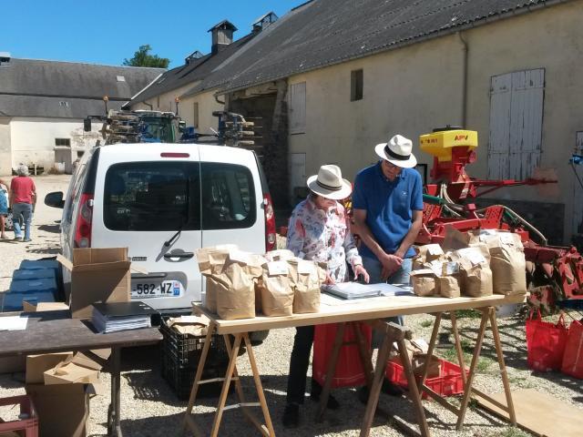 Vente de paniers - AMAP Jardins de Cérès - Villiers-le-Bâcle - Plateau de Saclay