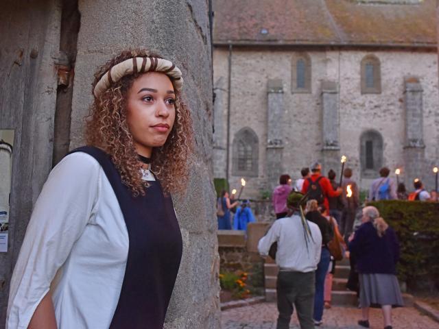Bourganeuf-visite de la cité aux flambeaux