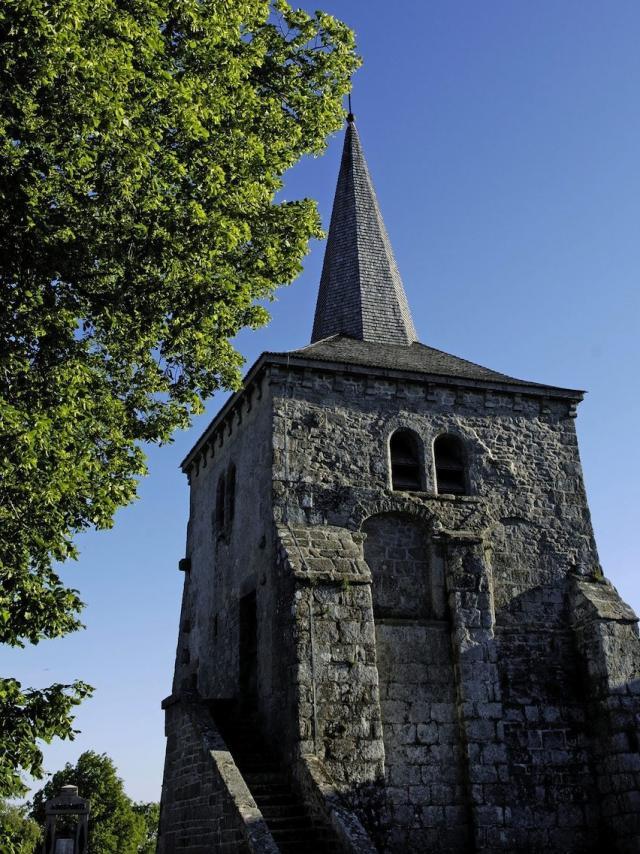 Église De Toulx Sainte Croix En Creuse ©j. Damase