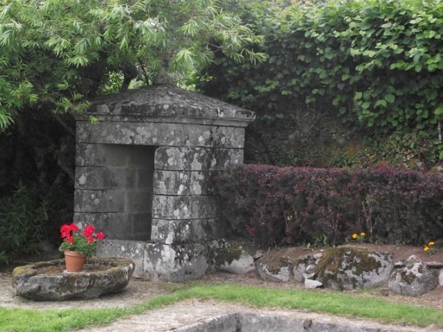 Fontaine De Sous Parsat©ot Creuse Thaurion Gartempe