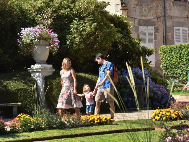 Gueret Visite Famille Jardin Public Cef J.damase 2015 5