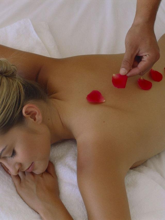 Massage Bien être Avec Les Pétales