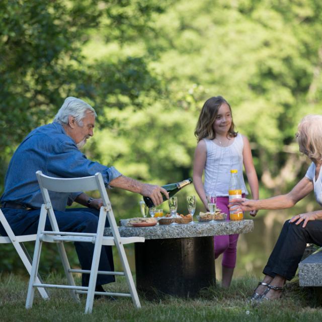 Apéritif grands-parents et enfants