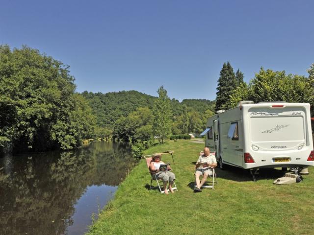 camping-car-aubussonj-damase.jpg