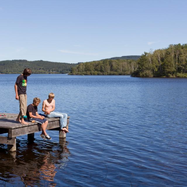 Baignade au Lac de Vassivière ©M.Raffard