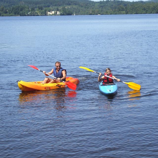 Canoe au lac de Vassivière