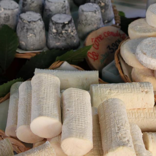 fromages-march-aubusson-2.jpg