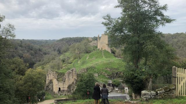 Vue sur la forteresse de Crozant