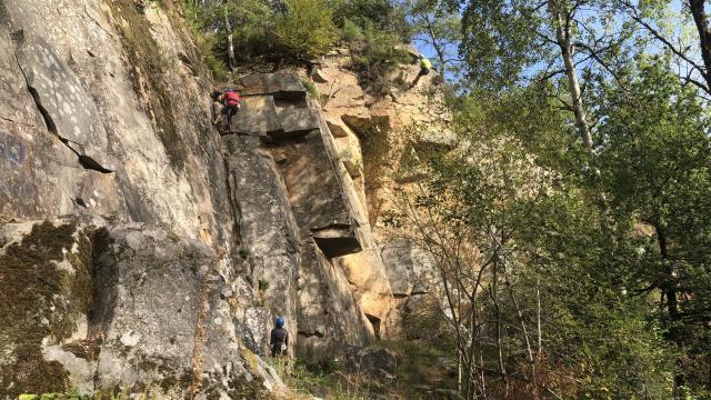 Plusieurs grimpeurs dans le Maupuy